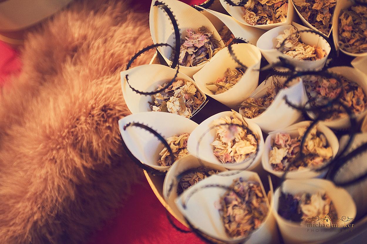 Devon-Christmas-themed-wedding-confetti