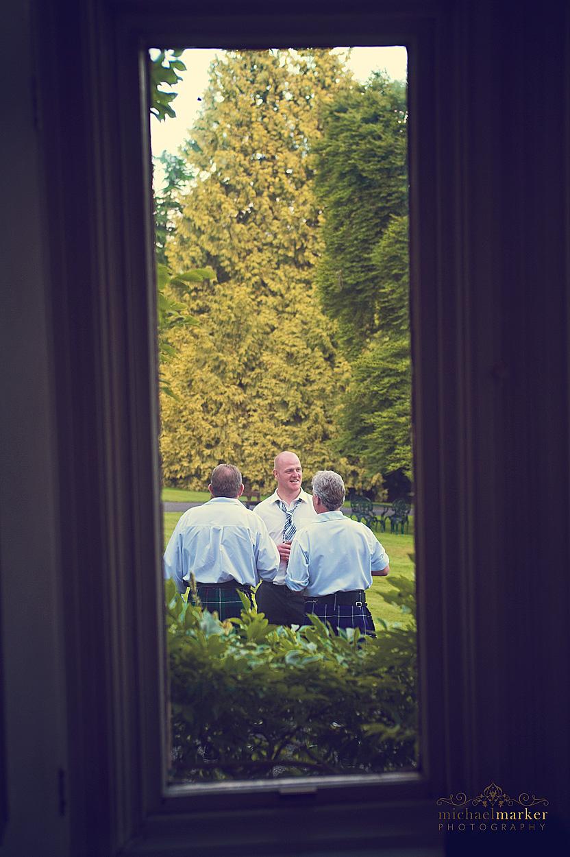 Wedding-day-guests-in-Devon