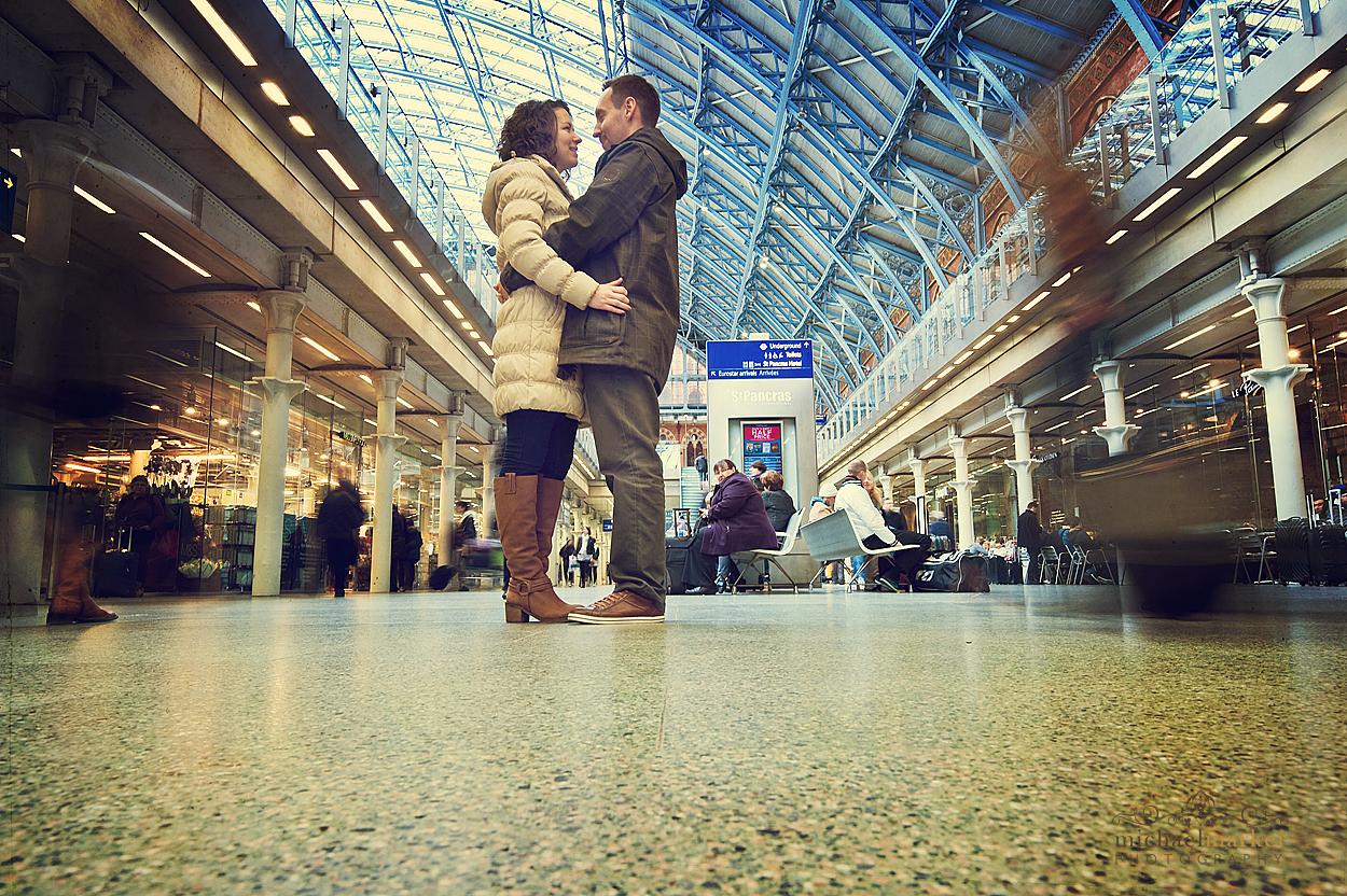 London-engaged-couple
