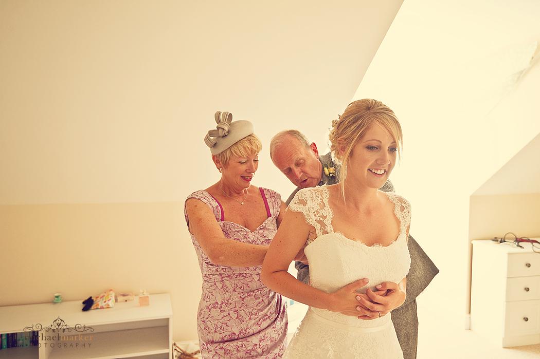 Bride-dressing-in-Cornwall