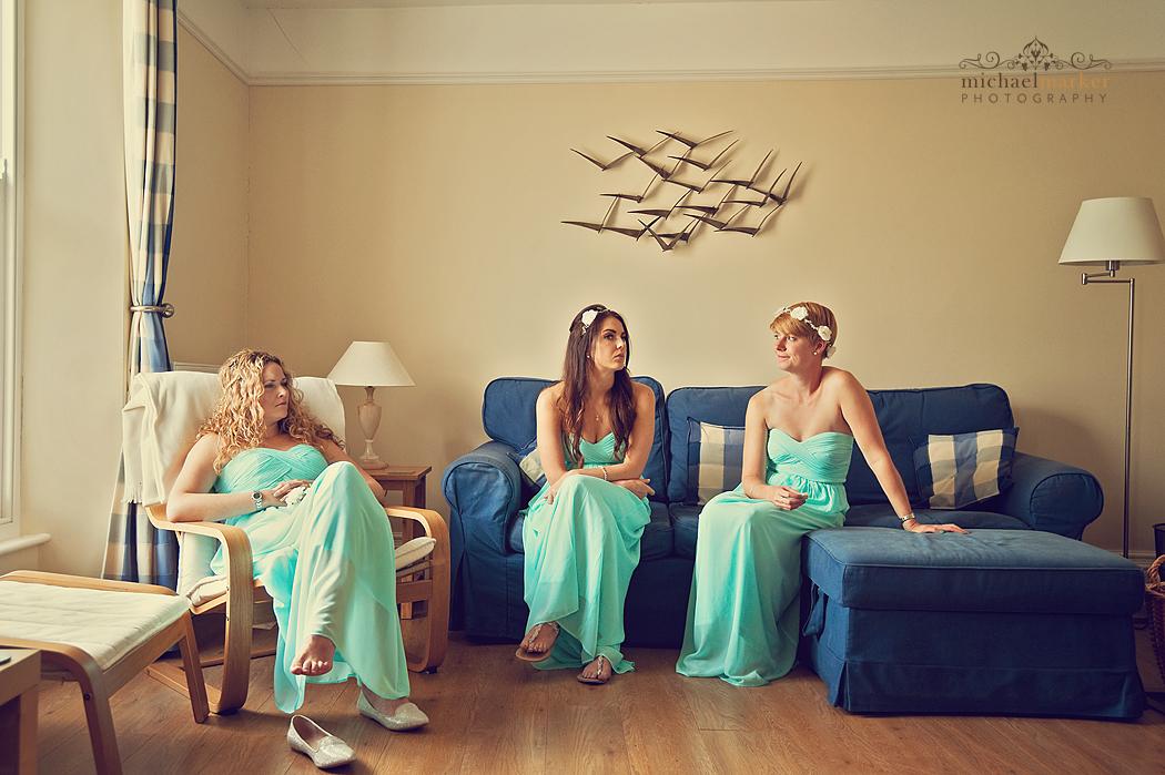 Bridesmaids-waiting