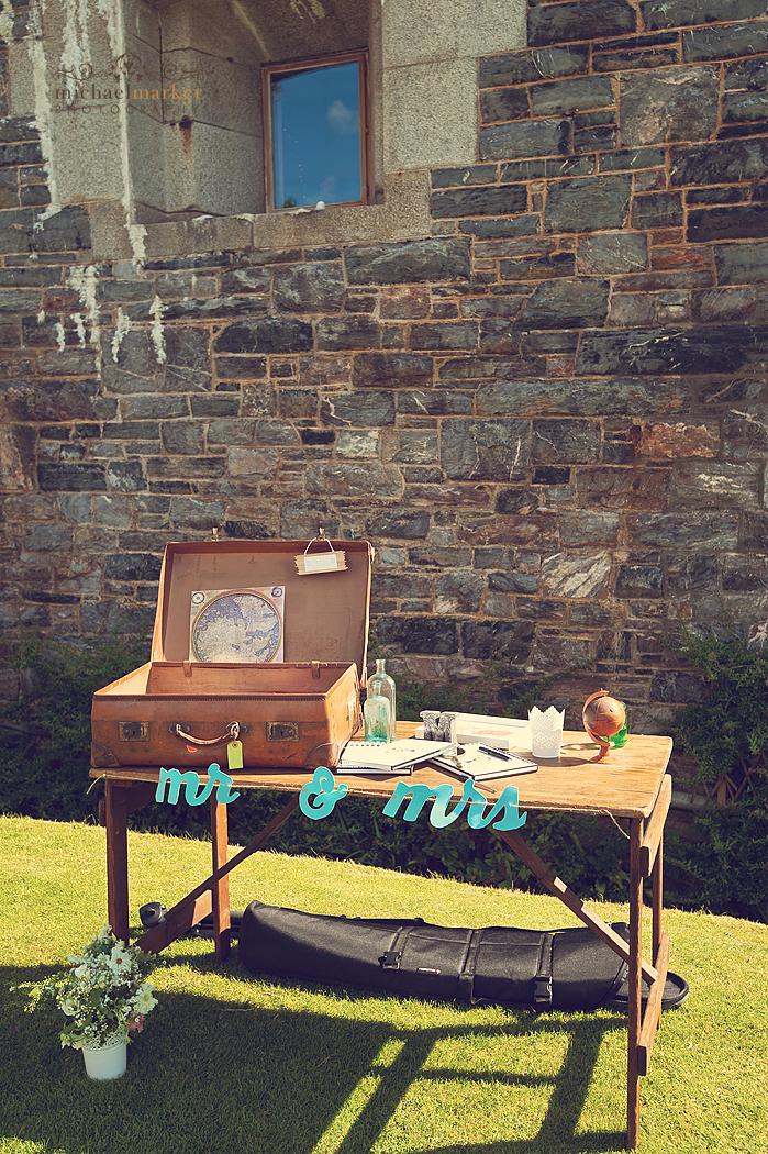 Cornwall-wedding-guest-book-idea