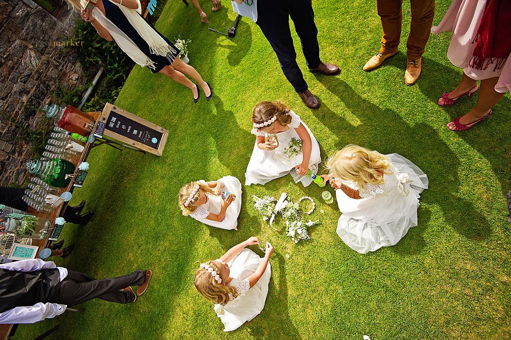 Flowergirls-picnic-Cornish-wedding