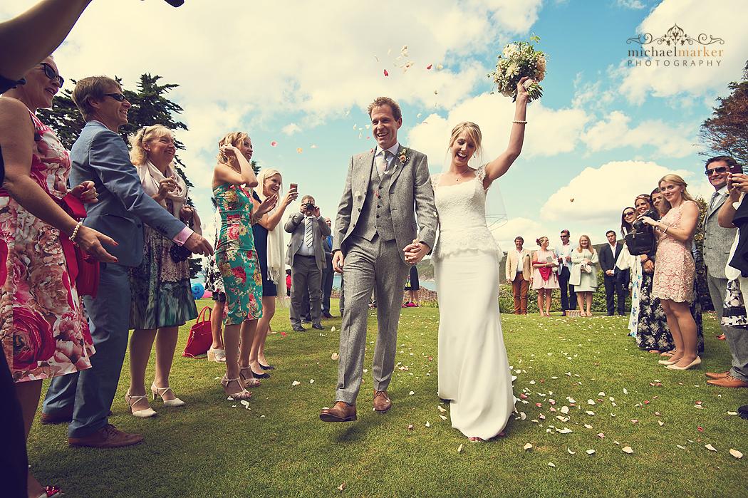 Polhawn-wedding-confetti