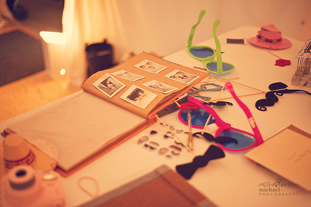 DIY-polaroid-photobooth-idea