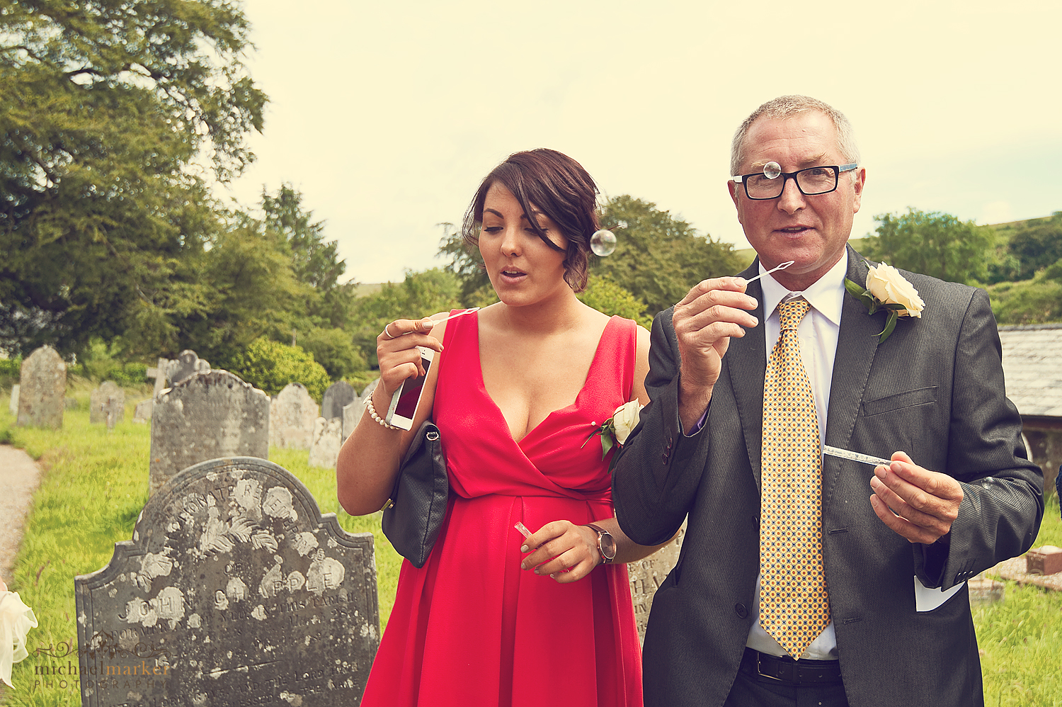 Dartmoor-wedding-day-bubbles