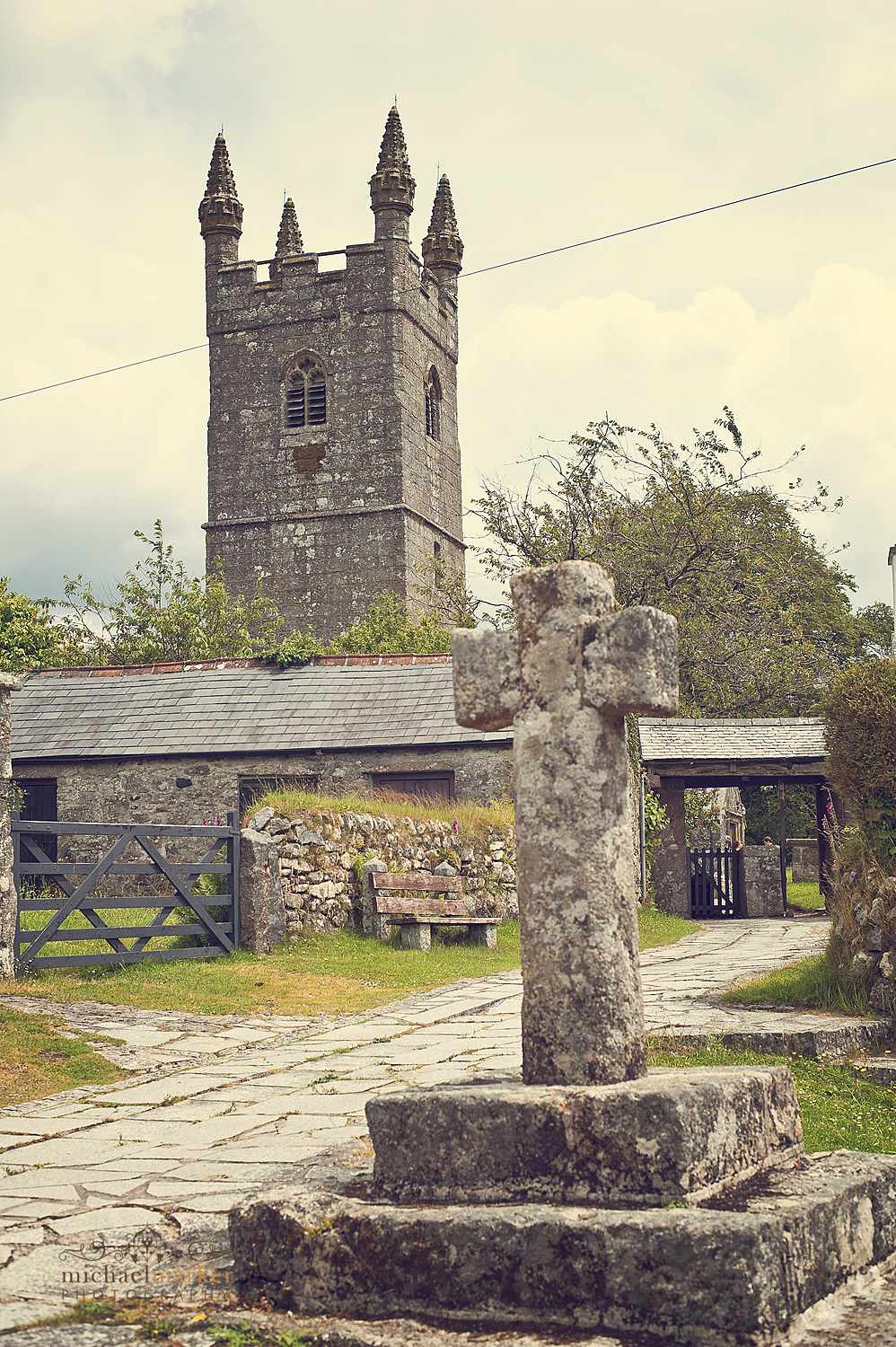 Sheepstor-Church-on-wedding-day