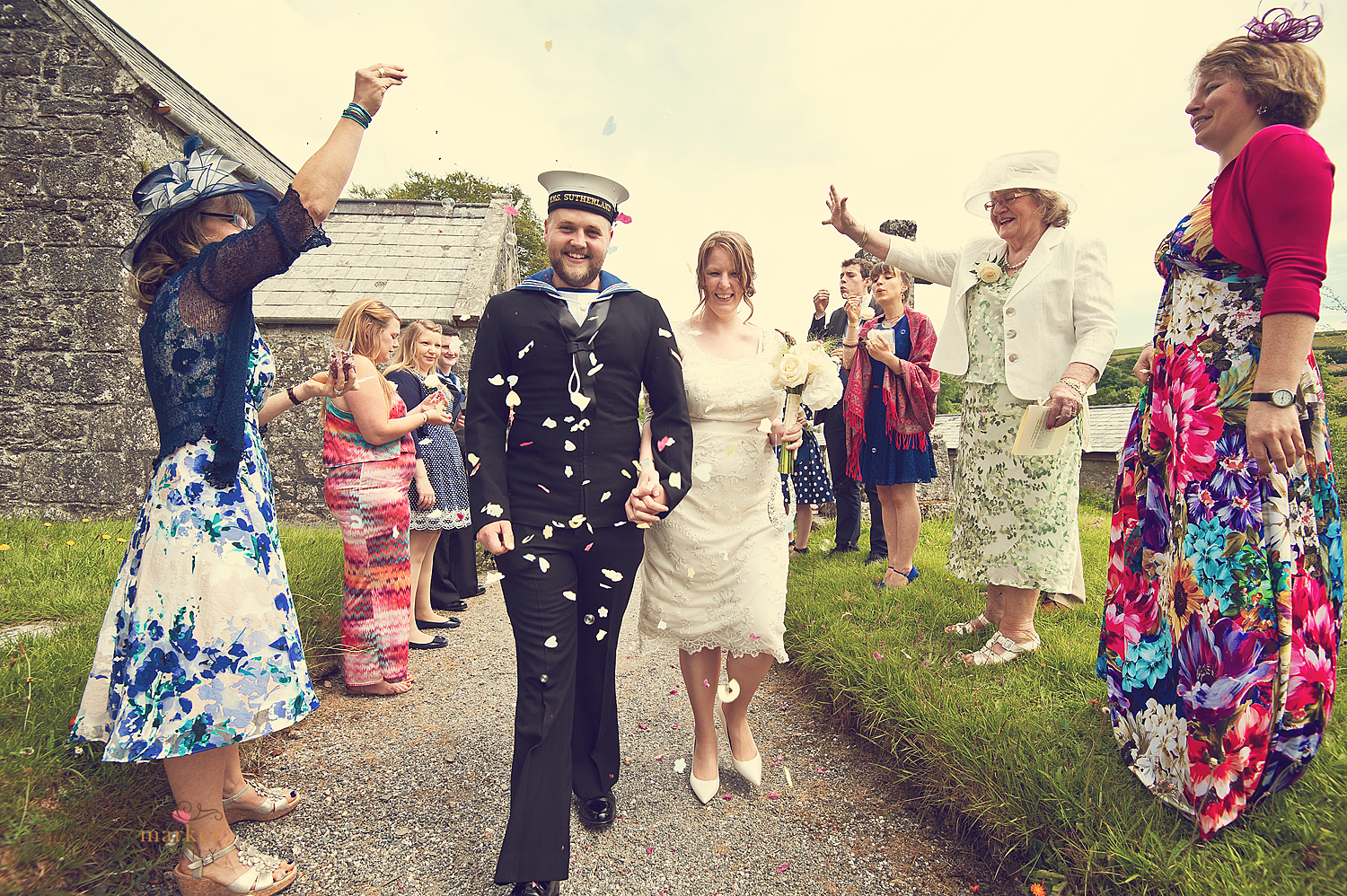 Sheepstor-church-wedding-confetti
