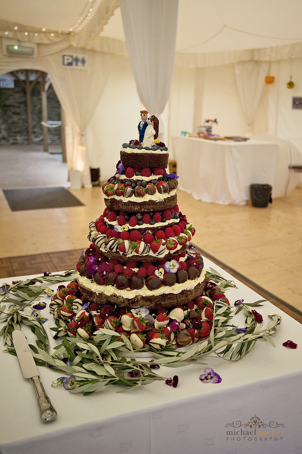 Shilstone-wedding-chocolate-cake