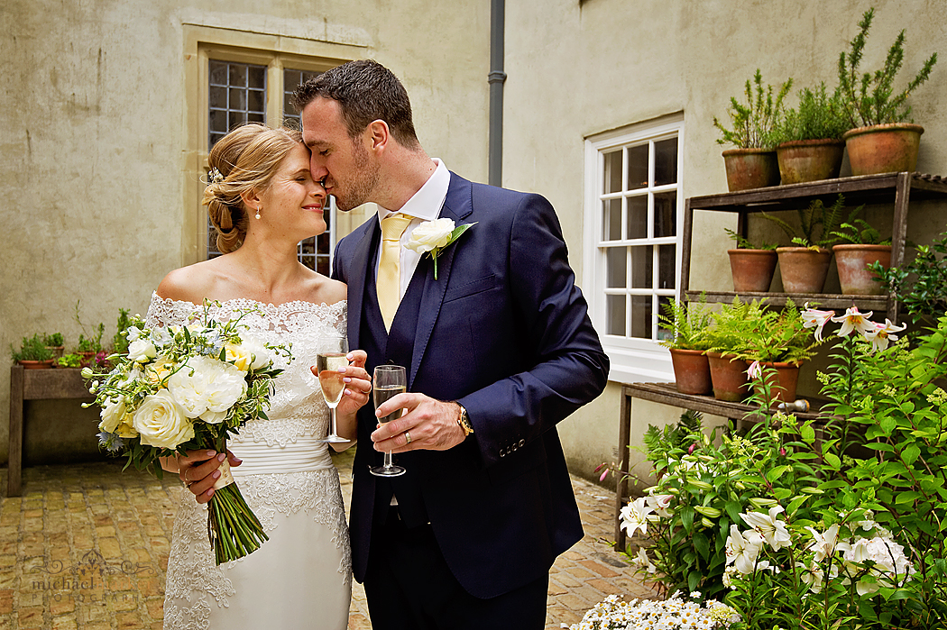 Shilstone_House_wedding_courtyard