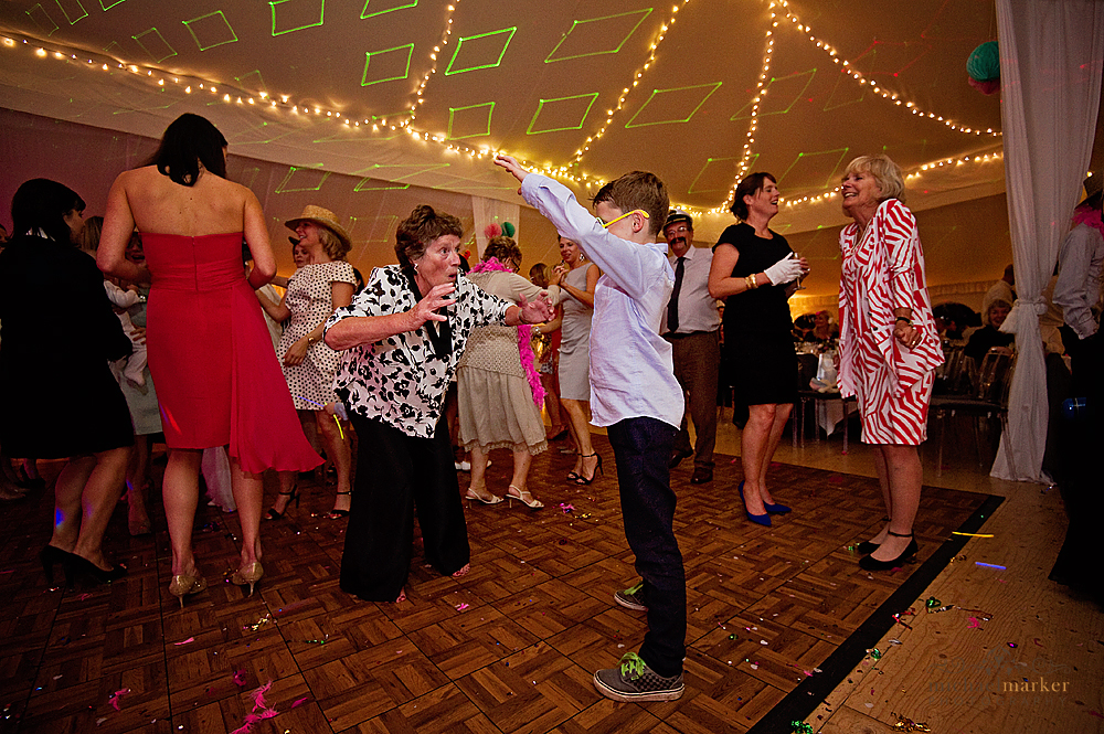 mum-dancing-at-wedding