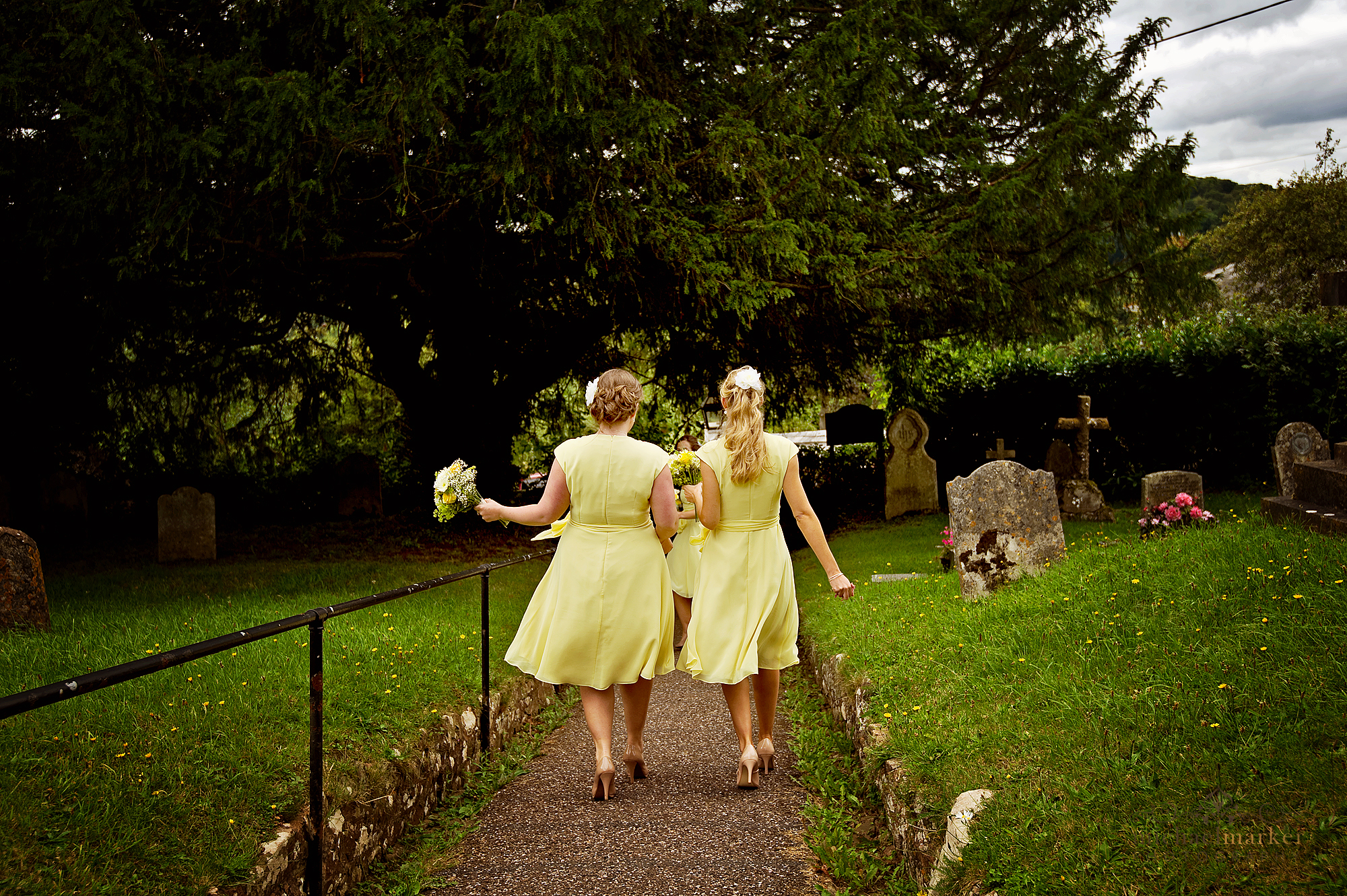 Bridesmaids at Bickleigh Church in Devon
