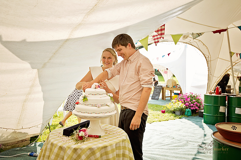 Cake-cuttign-at-farm-wedding