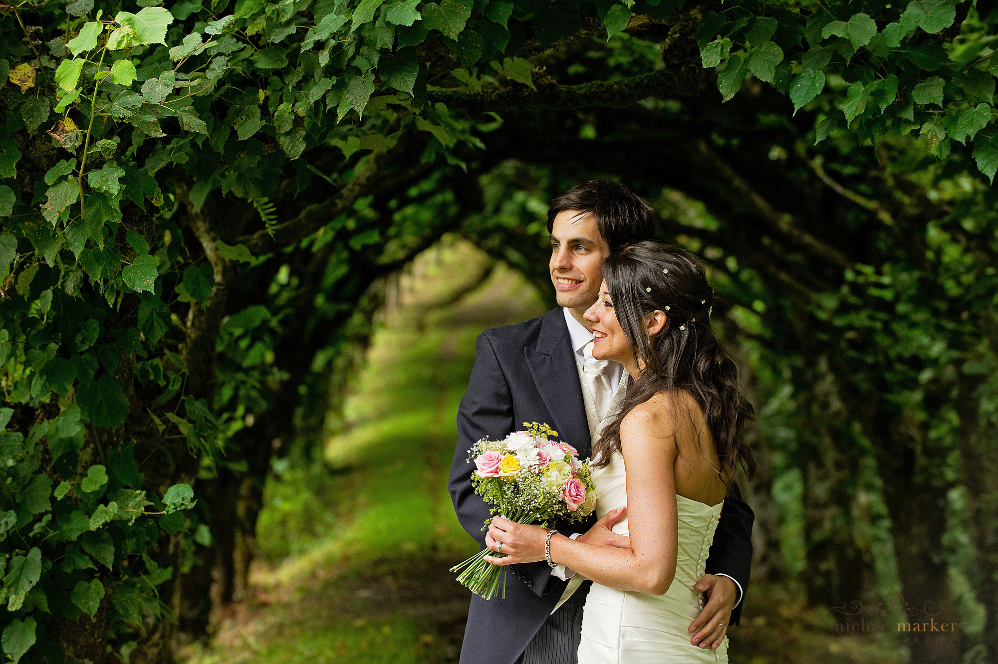Culver-house-devon-wedding-lime-walk