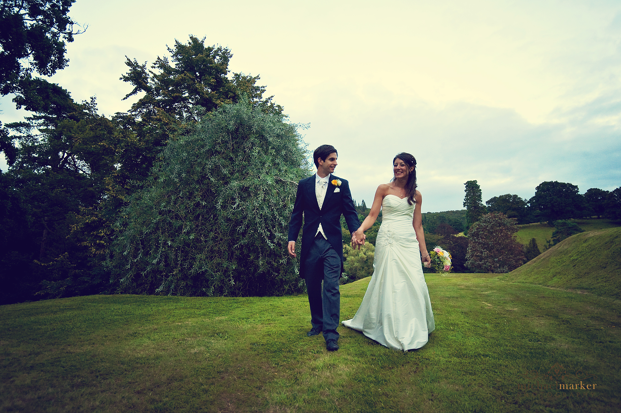 Devon-bride-and-groom-in-gardens