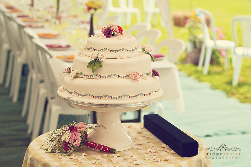 Devon-festival-wedding-cake