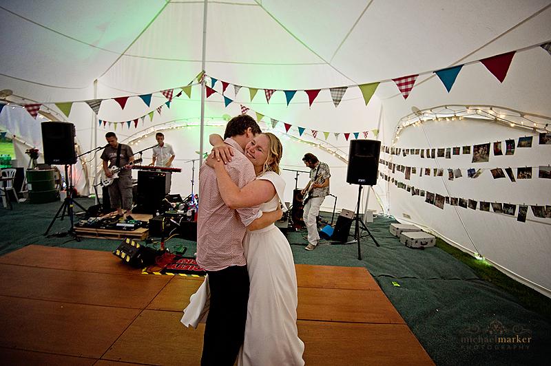 Devon-wedding-first-dance