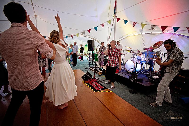 Devon-wedding-party-time