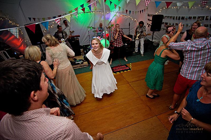 Totnes-wedding-dance
