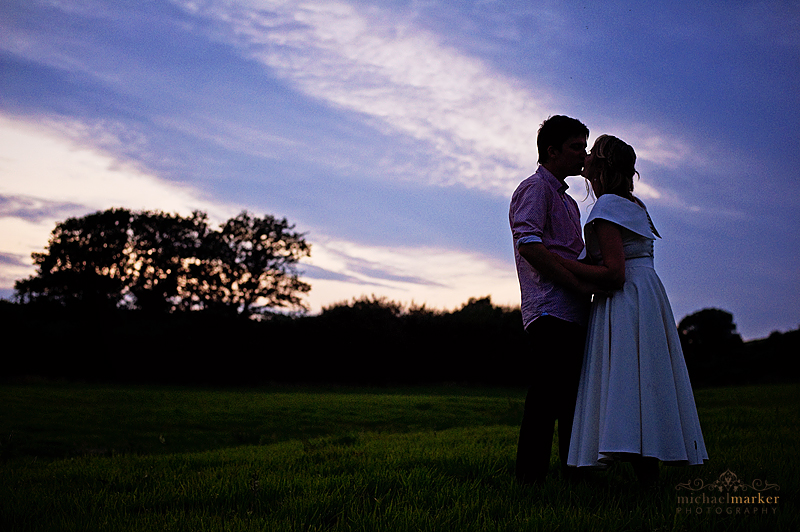 Totnes-wedding-evening-kiss