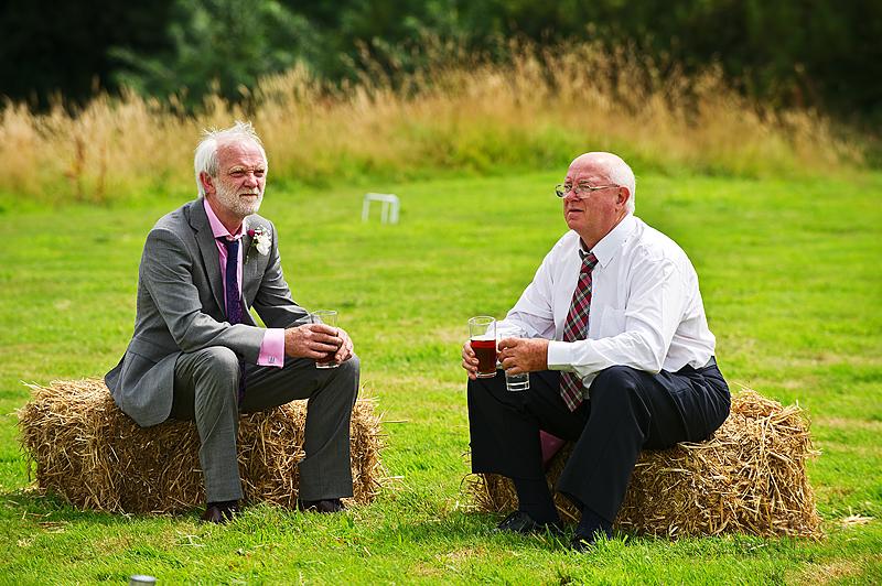 farm-wedding-guests