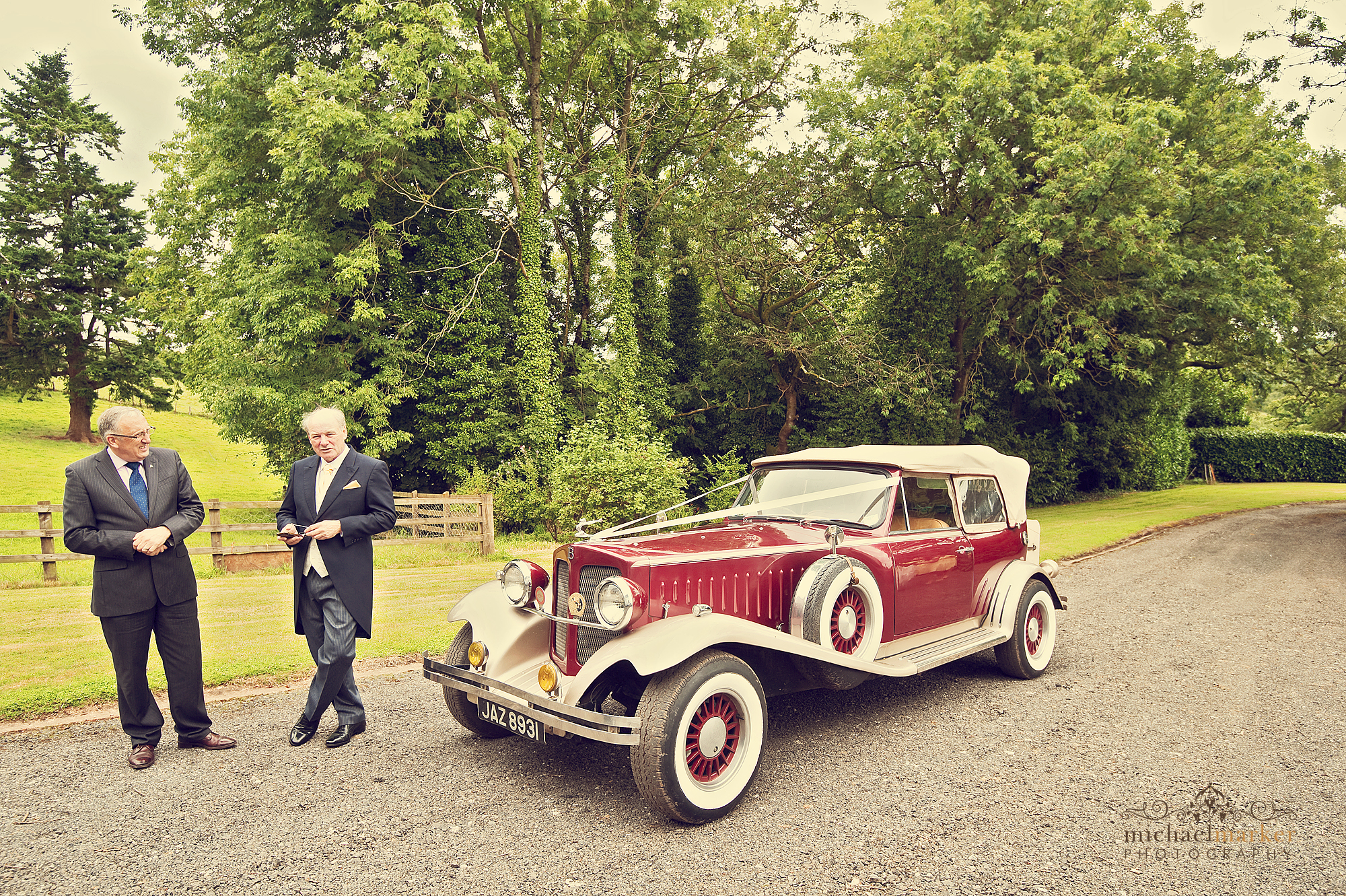 red-vintage-wedding-car