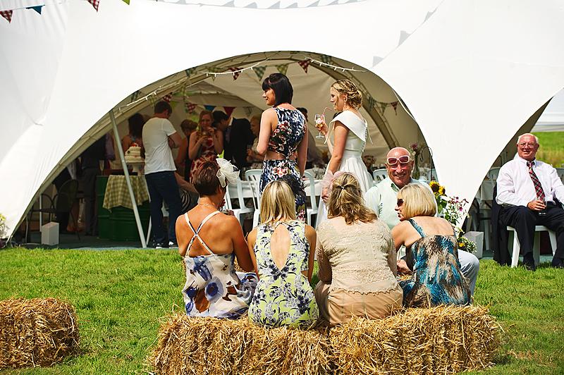relaxed-farm-wedding