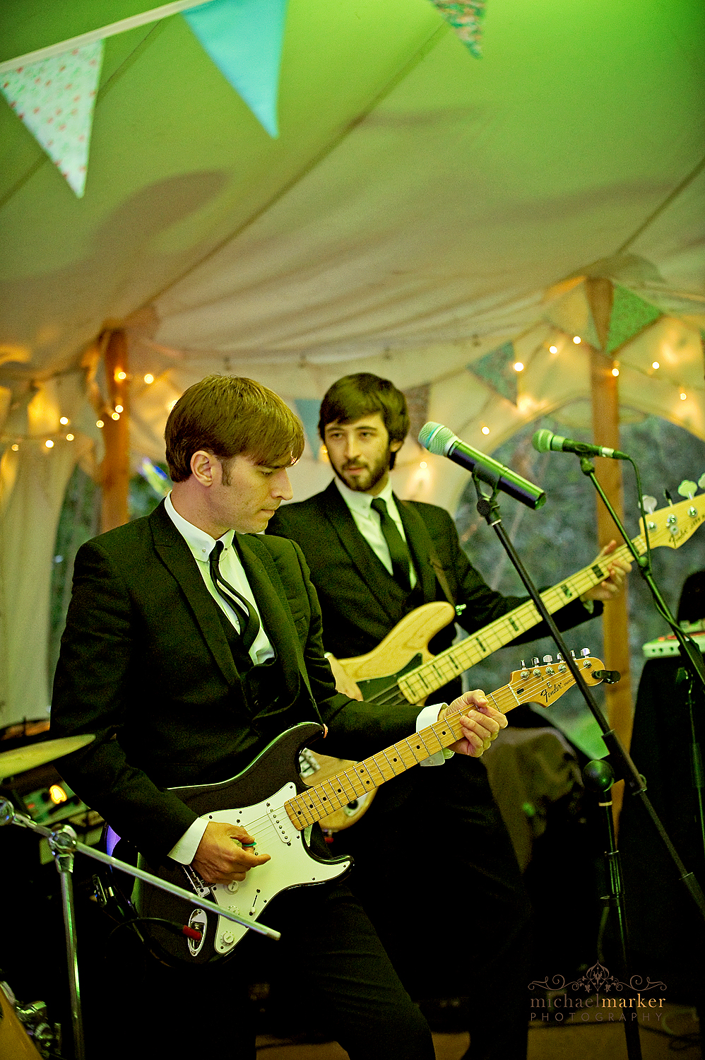 Wiltshire-wedding-band-Zoots-5