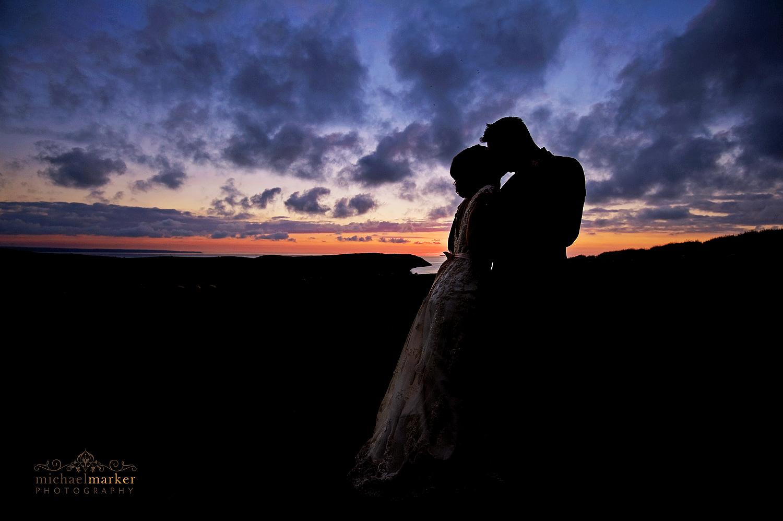 Puttsborough-wedding-sunset-kiss