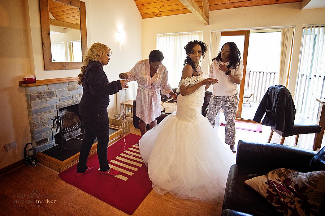 st-mellion-bride-getting-ready