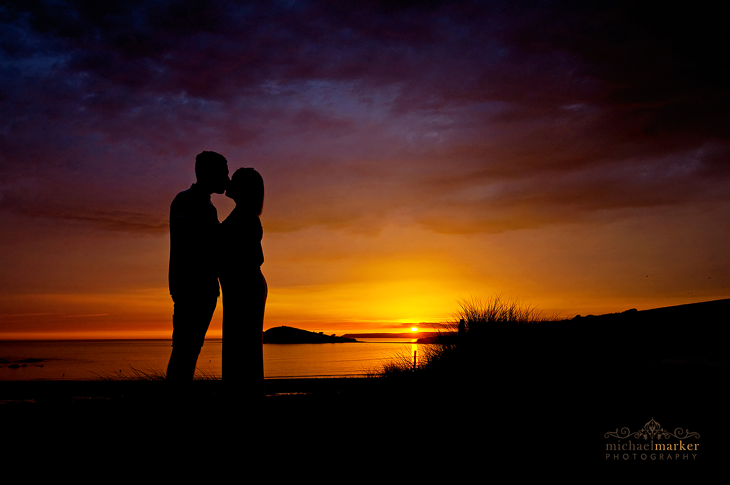 best-devon-sunset-kiss