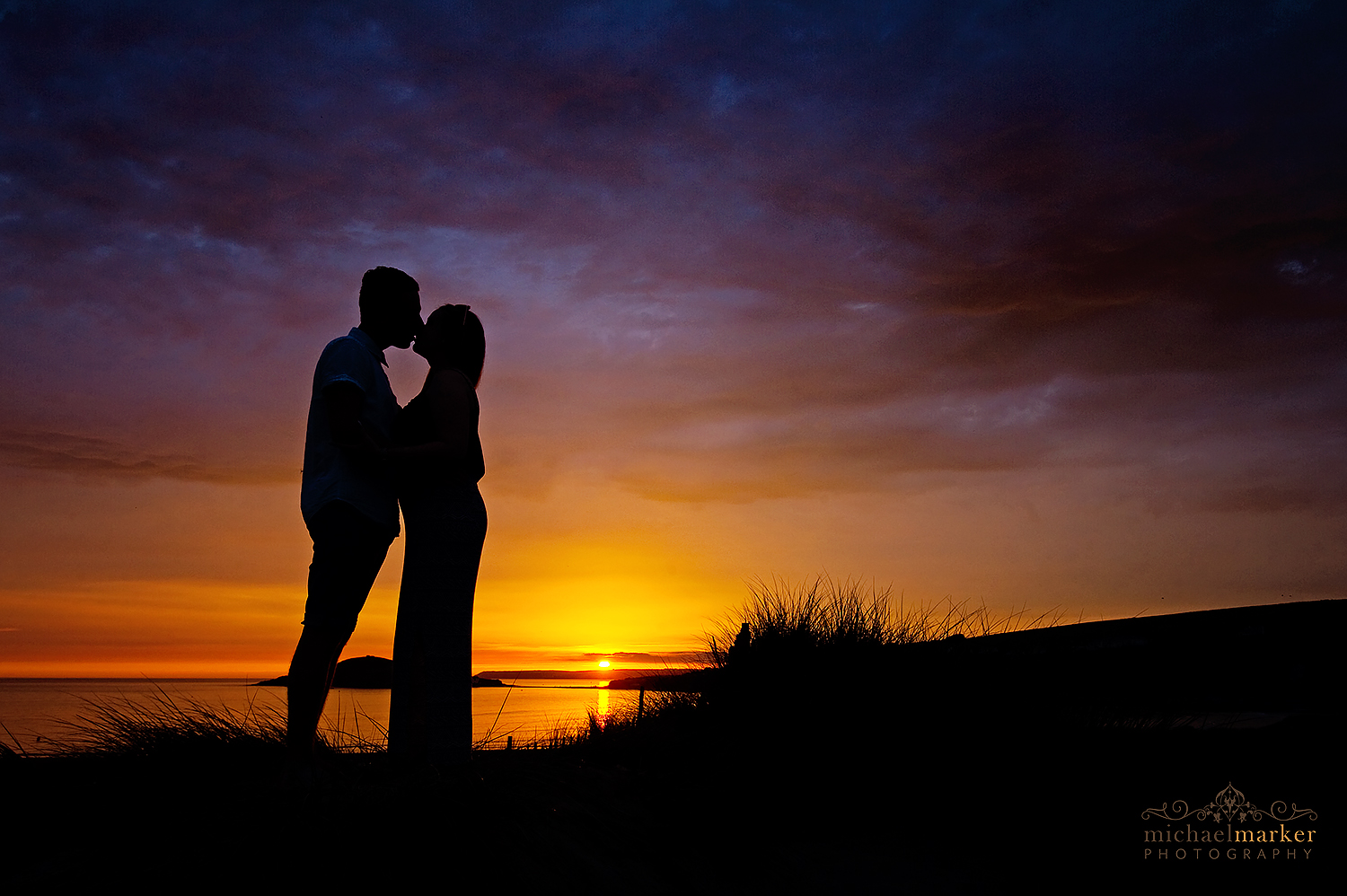 bigbury-sunset-engagement-portrait