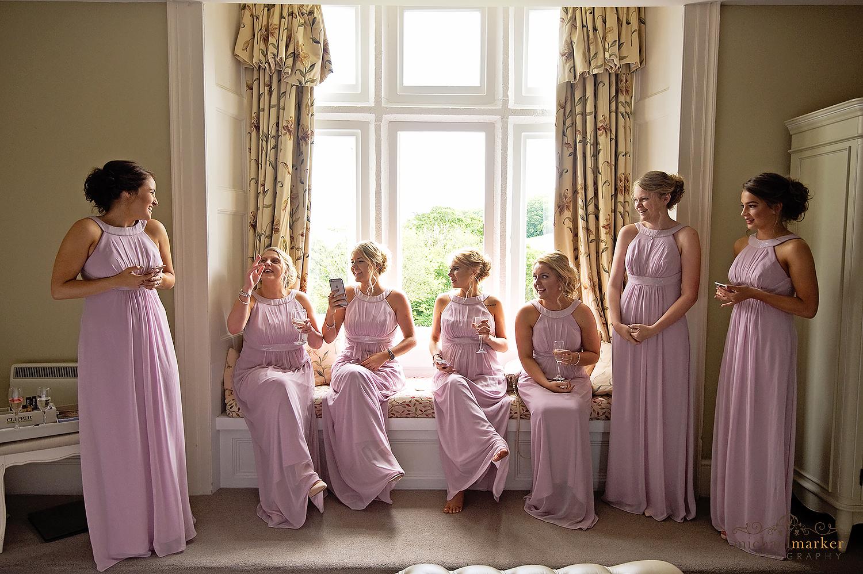 bridesmaids-all-ready-at-langdon
