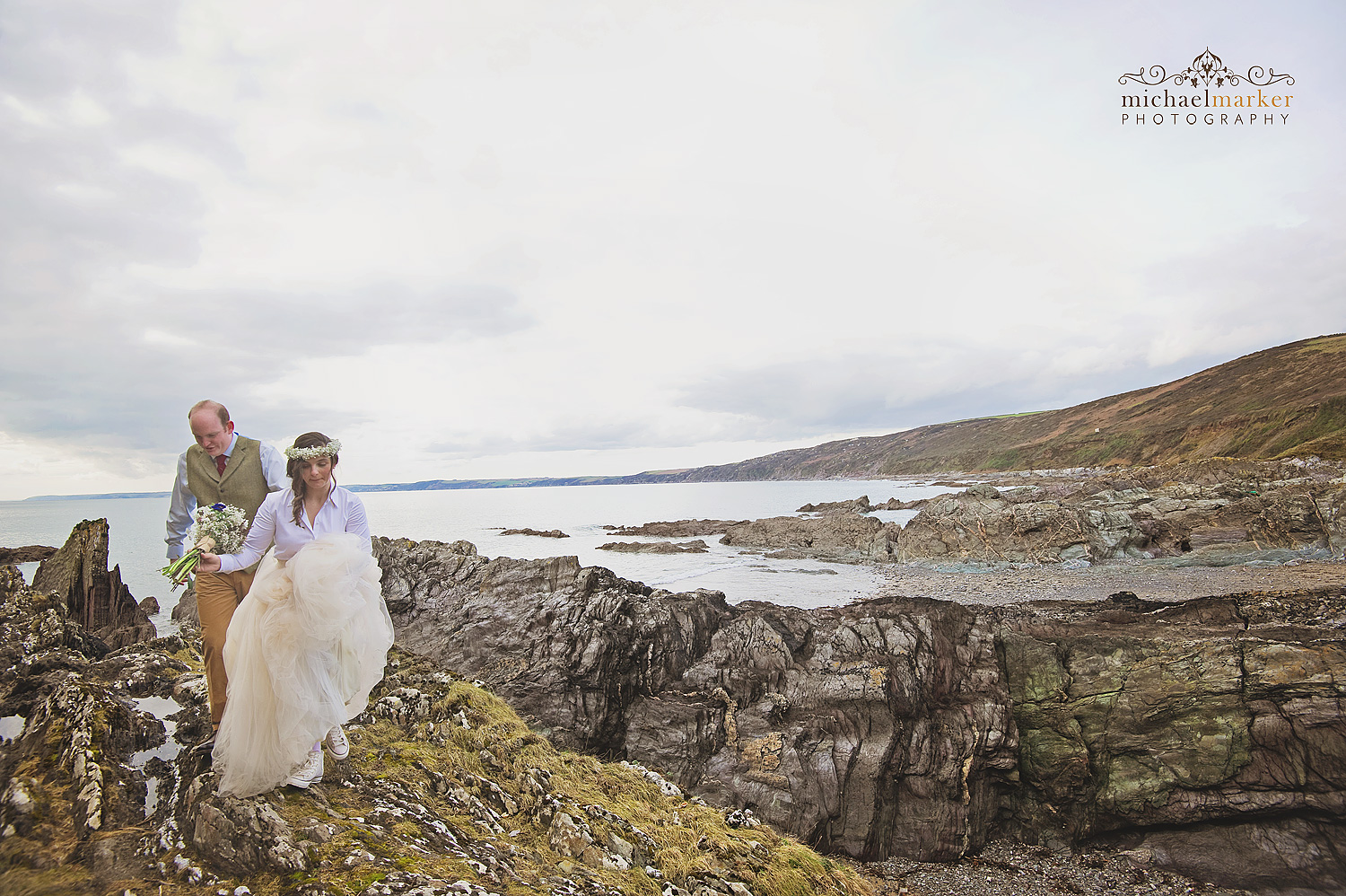 polhawn-beach-wedding-couple