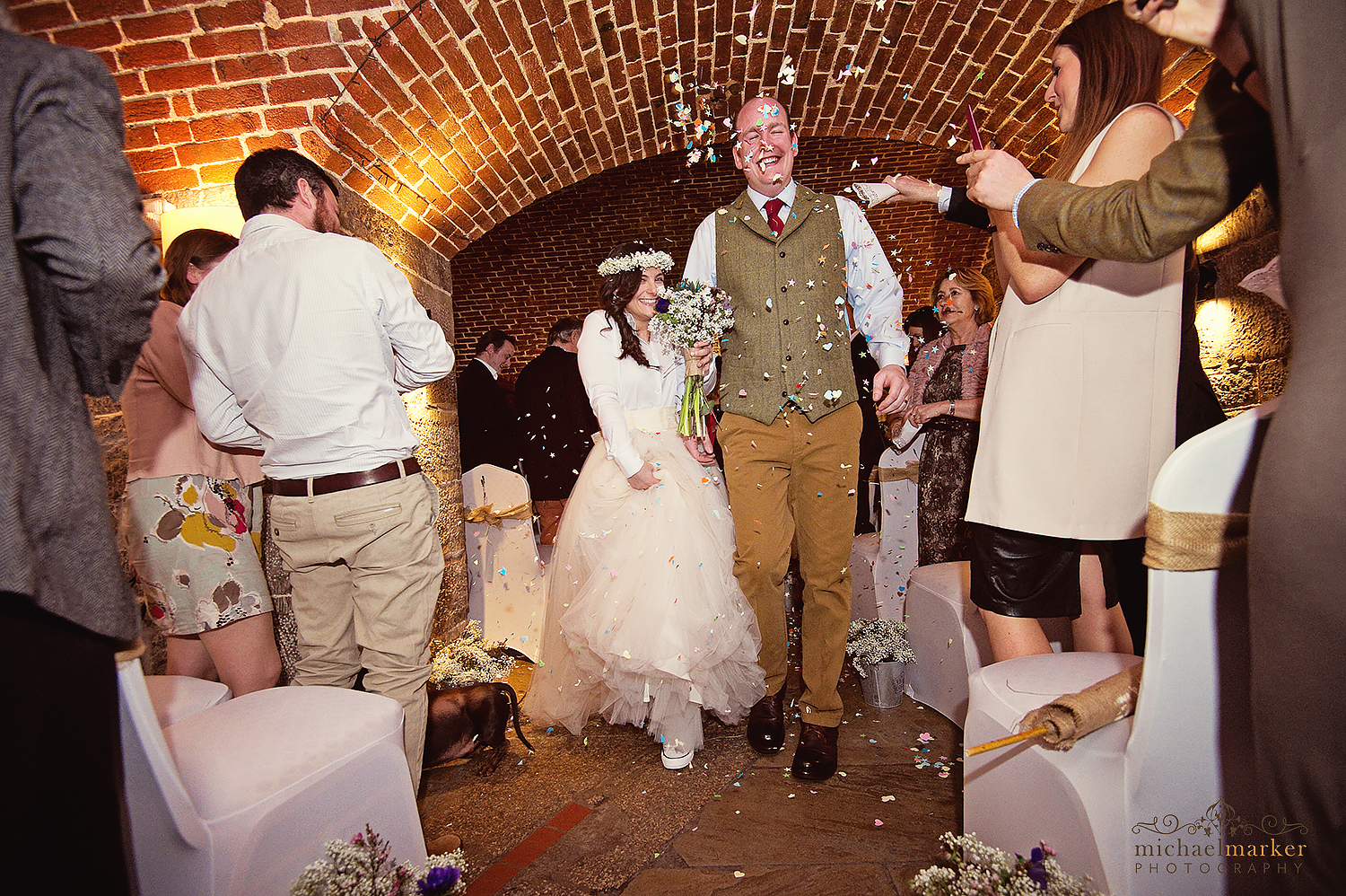 polhawn-winter-wedding-confetti