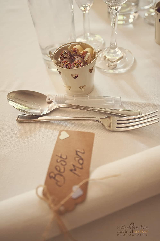 vintage-sweet-shop-table-favours