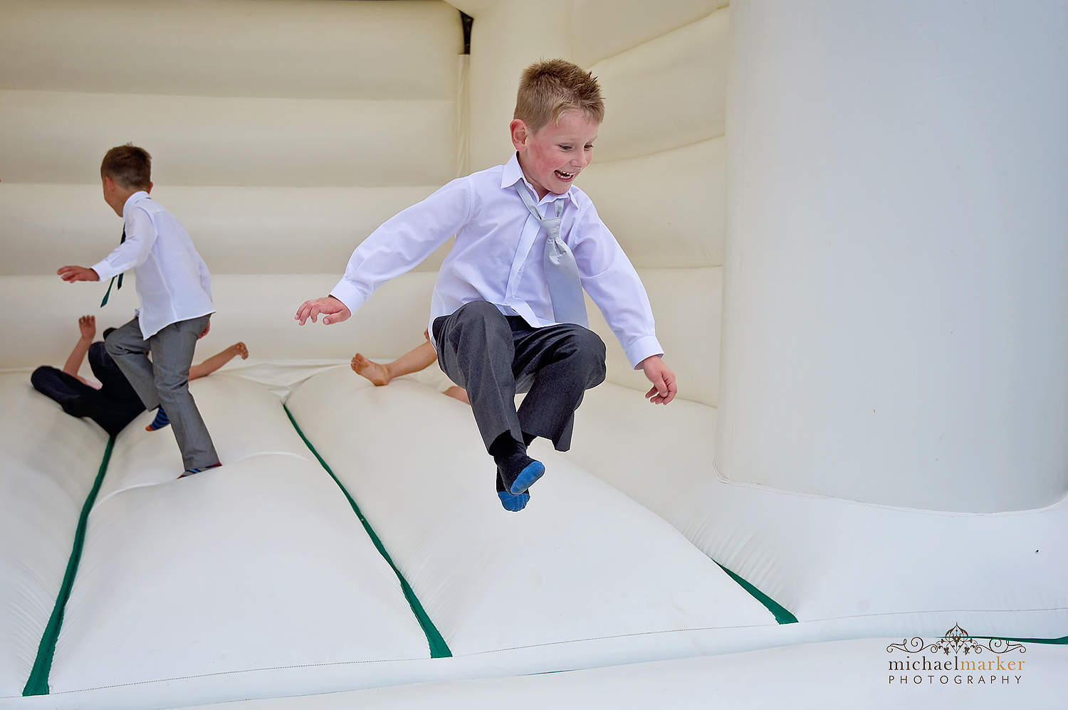Pageboy jumping