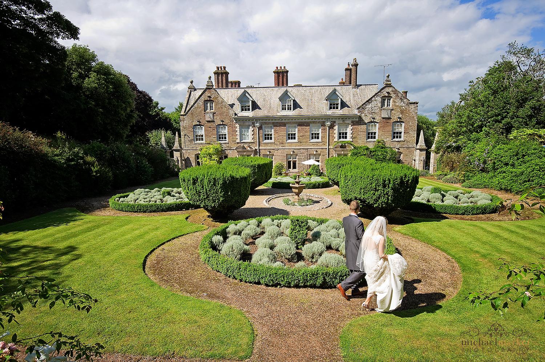 Besutiful Langdon Court summer wedding