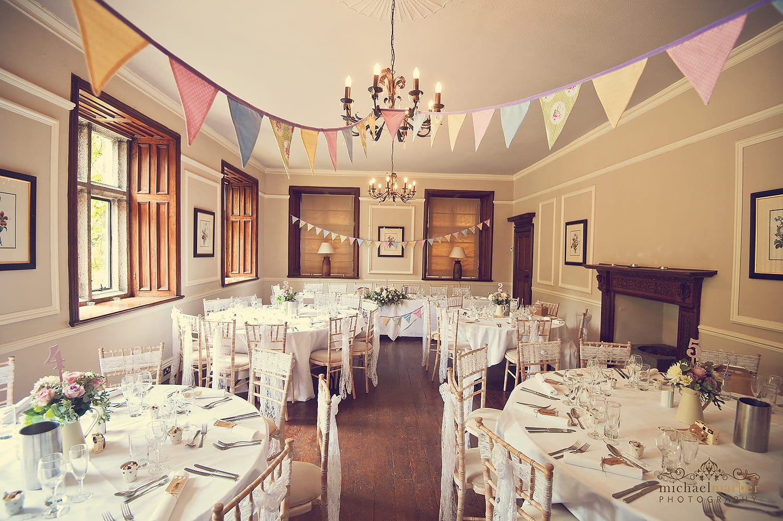 summer-english-wedding-decor