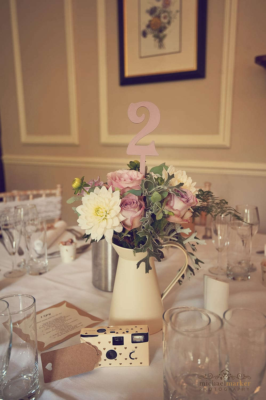 summer-wedding-table-center