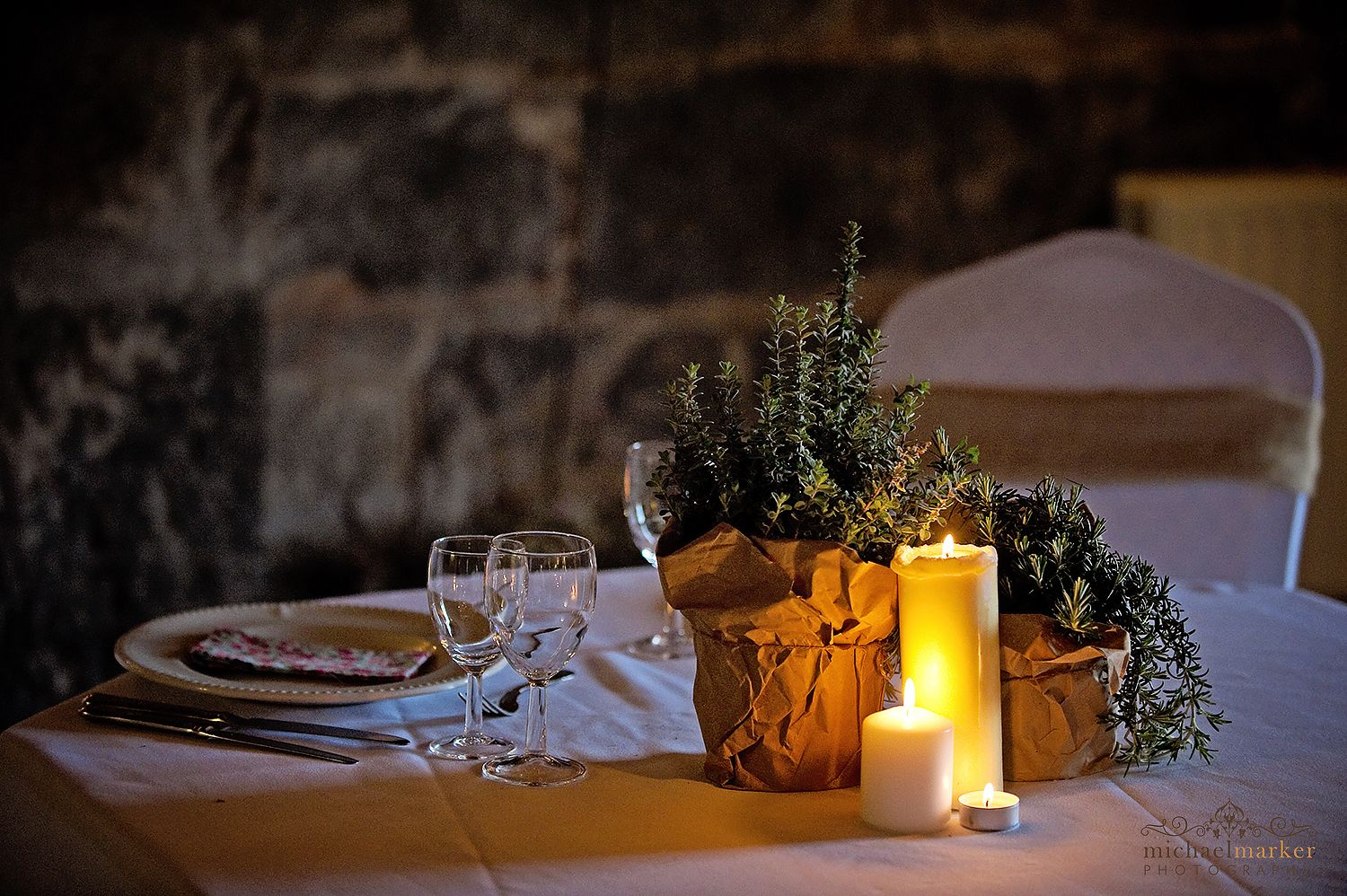 winter-wedding-candle-place-setting