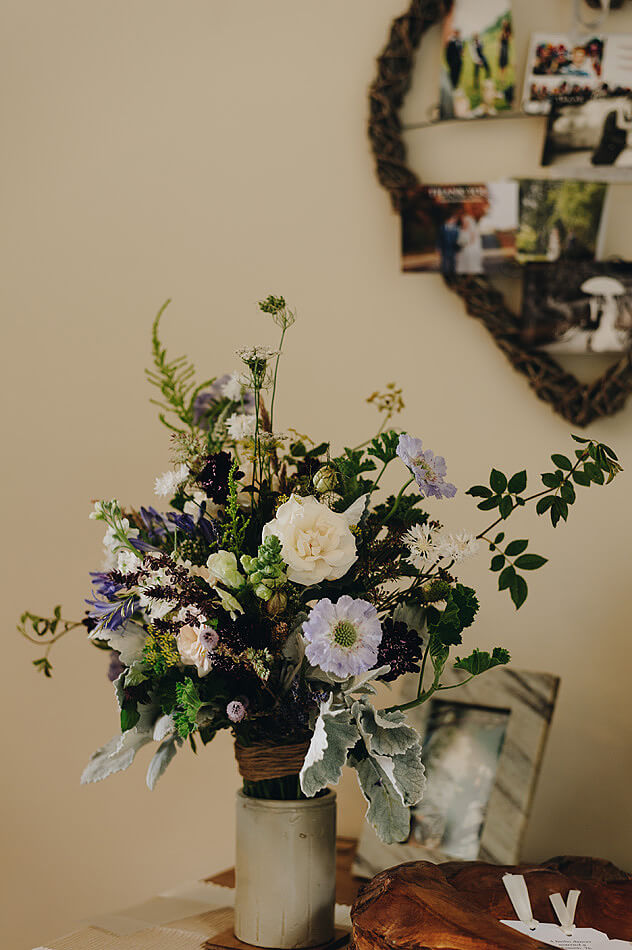 beautiful natural wedding flowers